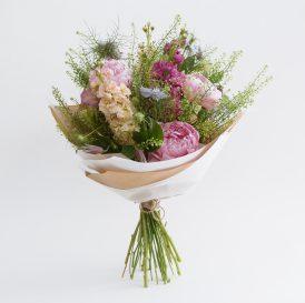 Floom Botanique Workshop Pink Bouquet 1