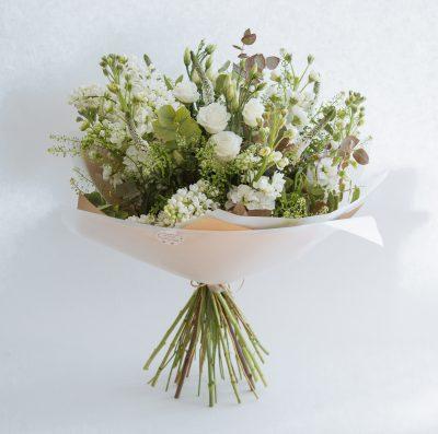 Floom Botanique Workshop Rose White Bouquet 1