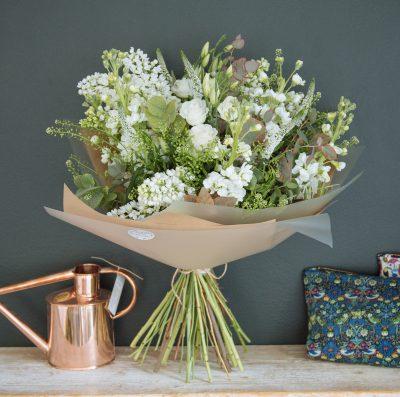 Floom Botanique Workshop Rose White Bouquet 2