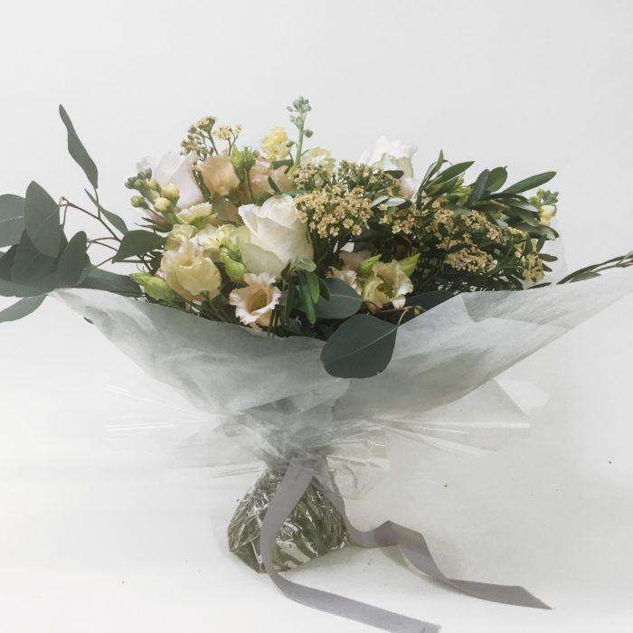 Floom Bloomologie White Green Bouquet 1