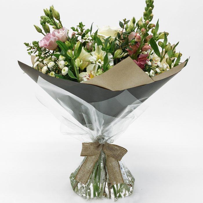 Floom Dw Floral Design Stock Lisianthus Bouquet 1