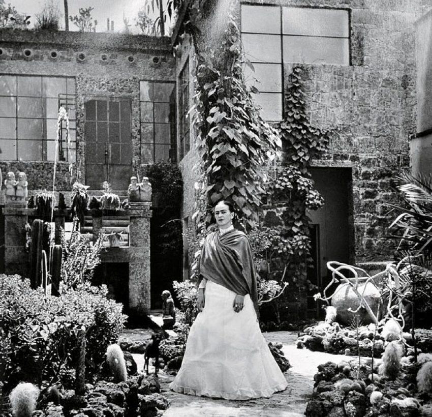 1 Floom Magazine Frida Kahlo Garden Apapacho Gallery 1