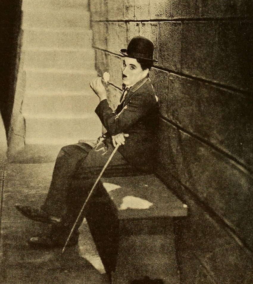 1 Floom Magazine Iconic Images Charlie Chaplin City Lights 1