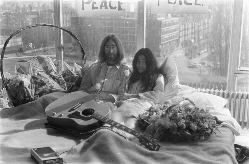 1 Floom Magazine Iconic Images John And Yoko Bed 1