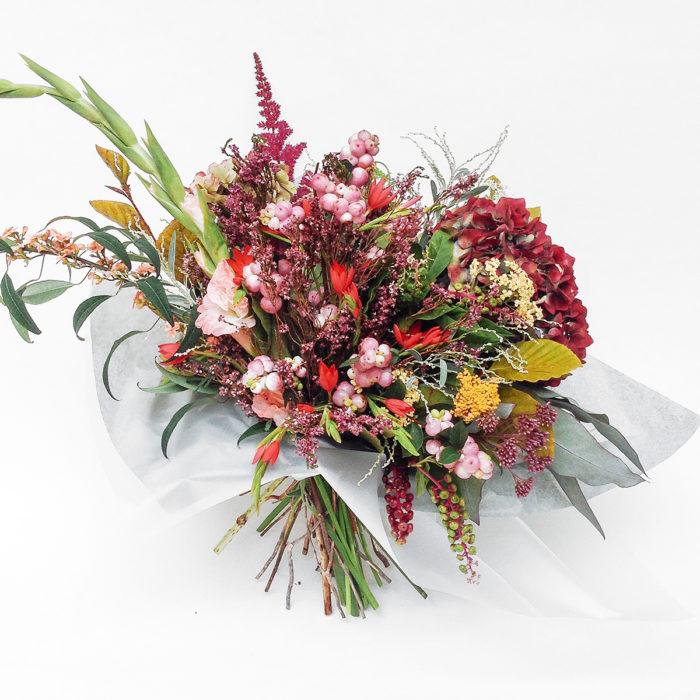 Floom Serendipity Botanist Hydrangea Hypericum 1