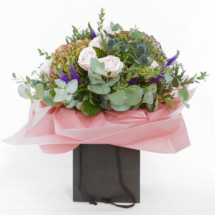 Floom Queens Park Florist Rose Hydrangea 1