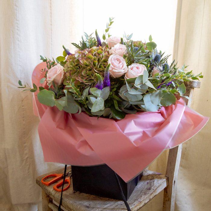 Floom Queens Park Florist Rose Hydrangea 3