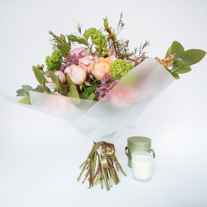 Floom The Real Flower Company English Garden Bouquet Candle 1