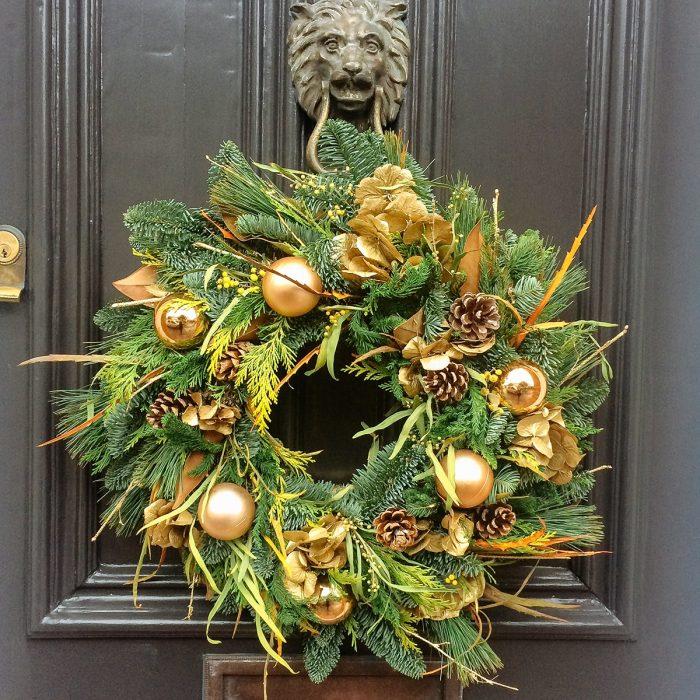 Floom Rose Mary Christmas Wreath Gold 2