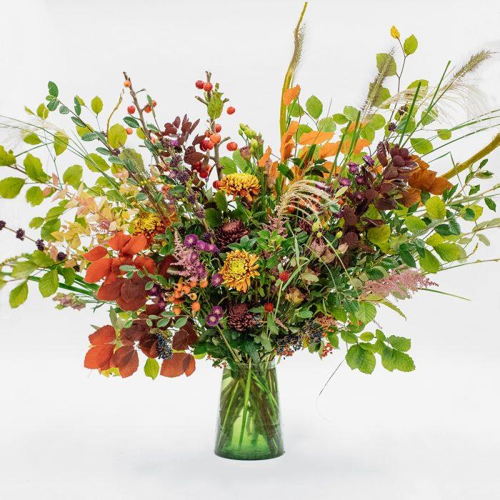 Floom Petersham Nurseries Seasonal Colour Vase 1