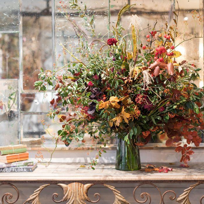 Floom Petersham Nurseries Seasonal Colour Vase 3