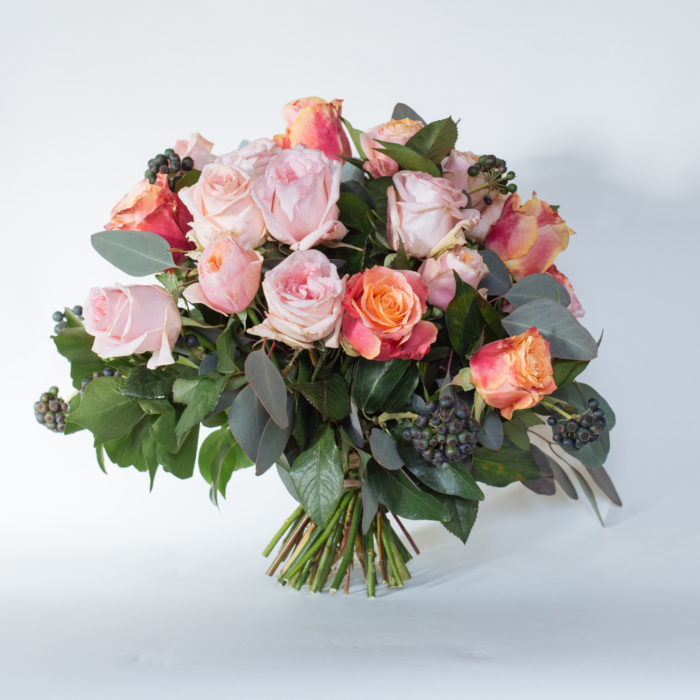 Floom Rose Mary Medium Rose Bouquet 1
