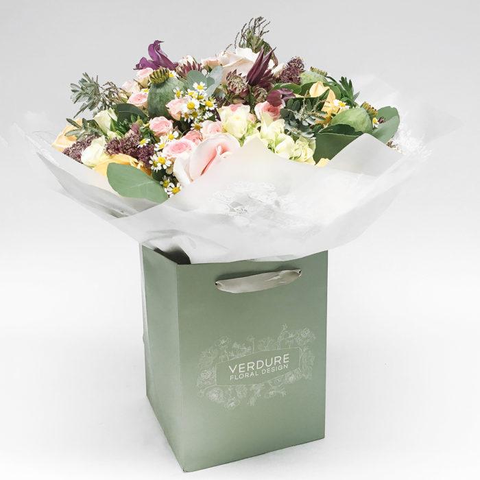 Floom Vendure Flowers Mixed Rose 1