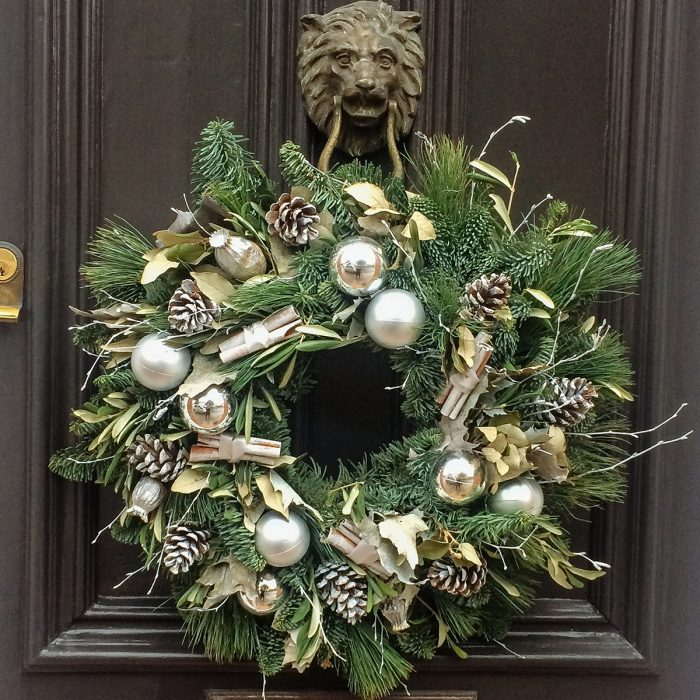 Floom Rose Mary Christmas Wreath Red Silver 2