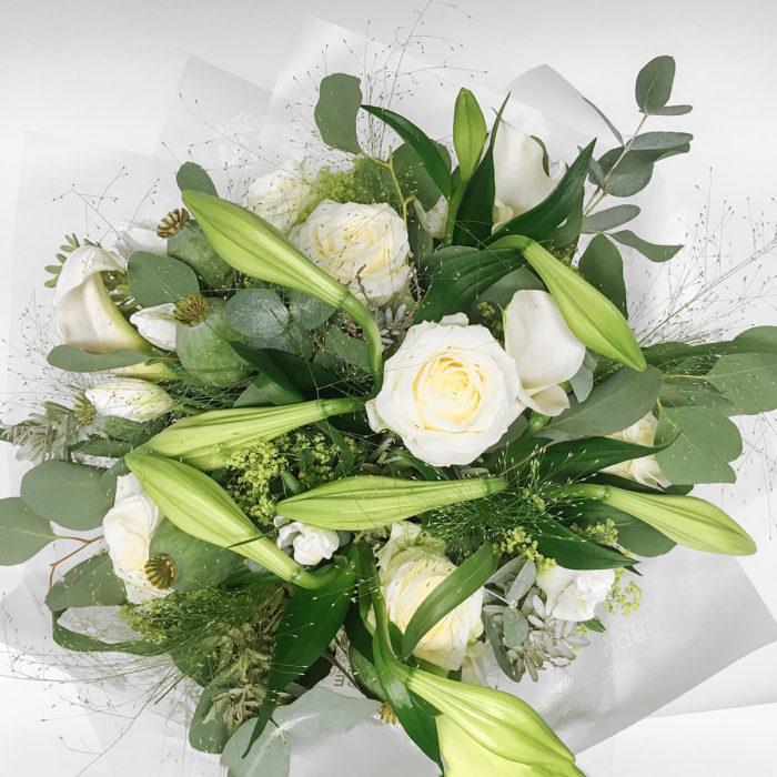 Floom Vendure Flowers White Green 2