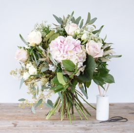 Floom The Fresh Flower Company Flowers Bouquet Soft Pinks Rose 2
