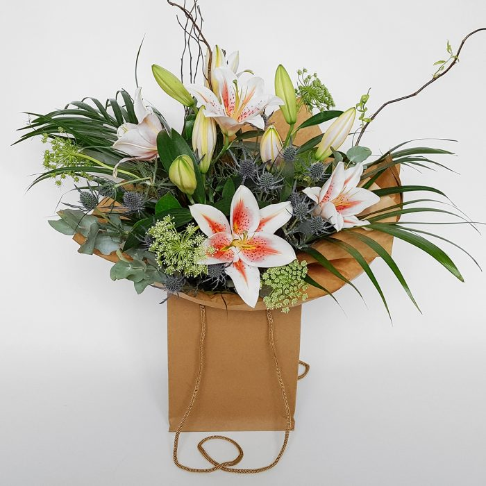 Floom Made You Look Florist Lily Bouquet 1