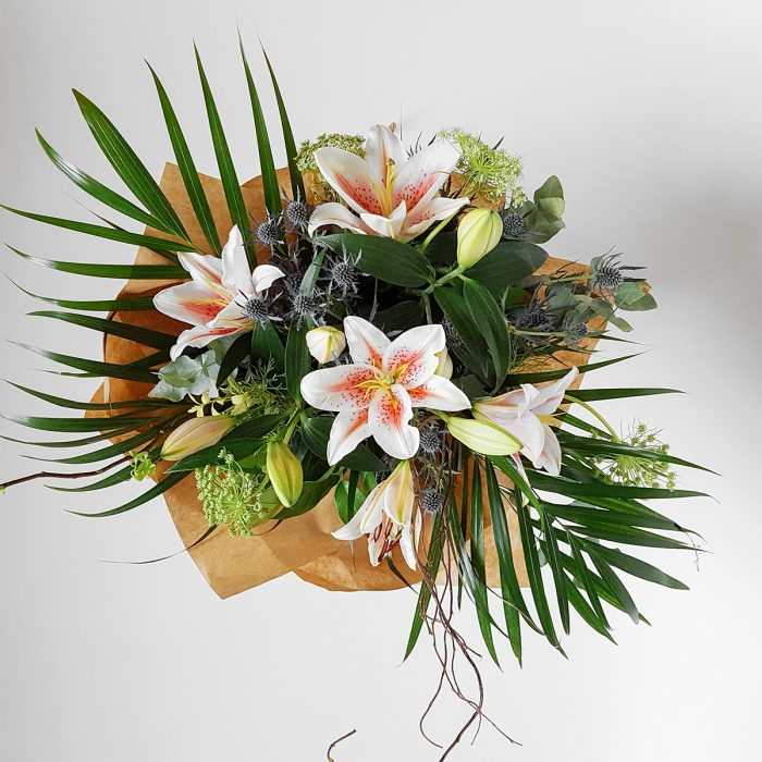 Floom Made You Look Florist Lily Bouquet 2