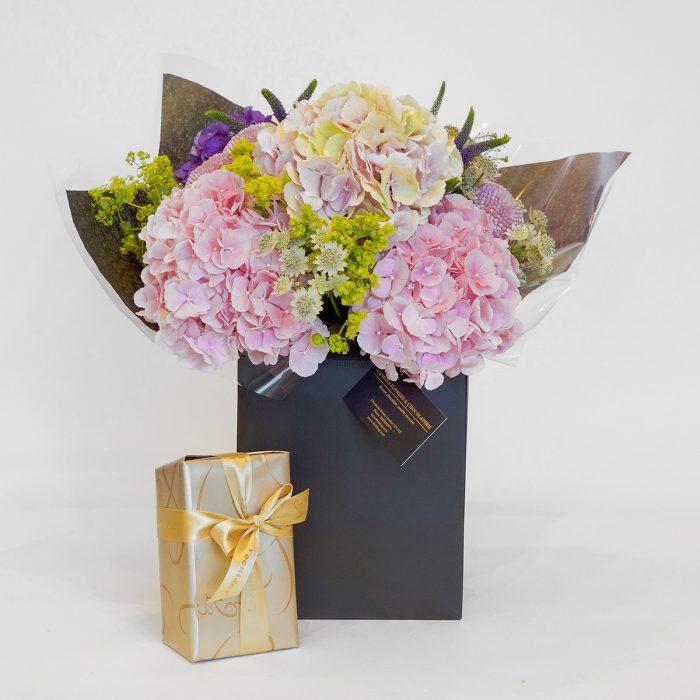 Floom Formosa Hydrangeas Veronica 1