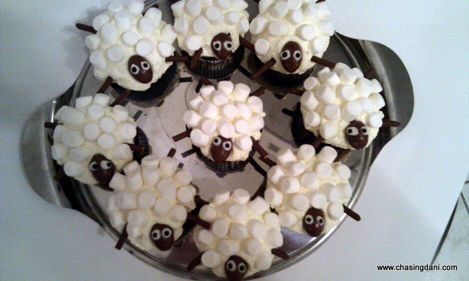 rezept f r sheep cupcakes f r kinder oder zum geburtstag. Black Bedroom Furniture Sets. Home Design Ideas
