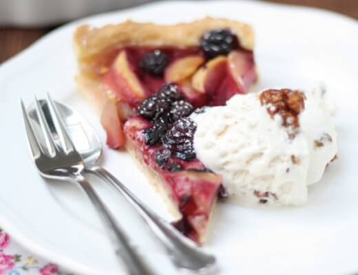 Apfel Blueberry Pie {flowers on my plate}