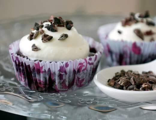 triple-chocolate-heidelbeer-cupcakes-rezept
