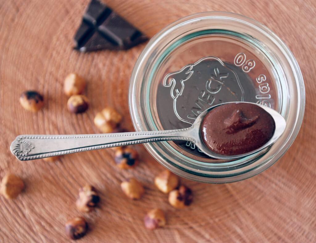 Rezept für selbstgemachtes Nutella {flowers on my plate}