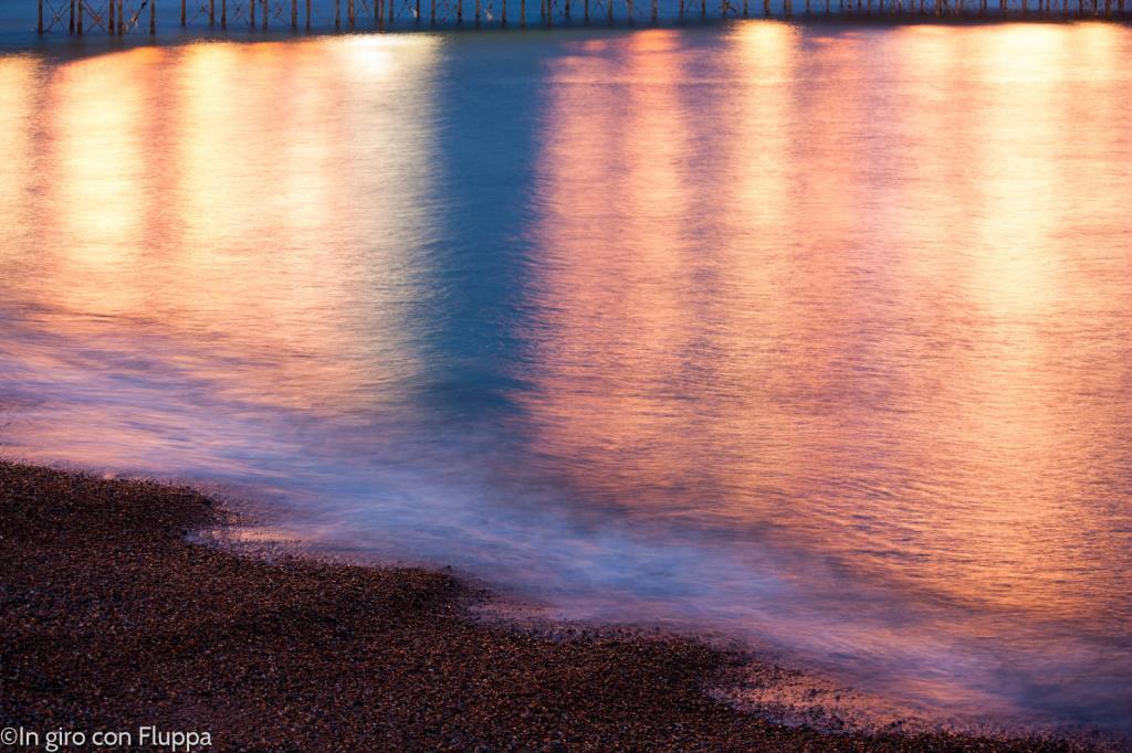 Brighton - riflessi del pontile sull'acqua