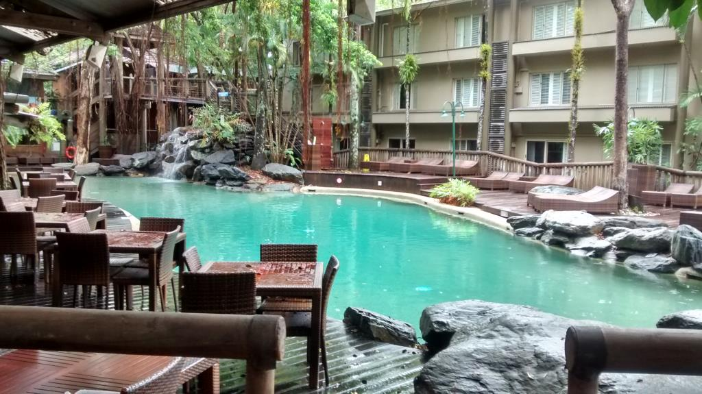 Ramada Resort, ristorante sulla piscina