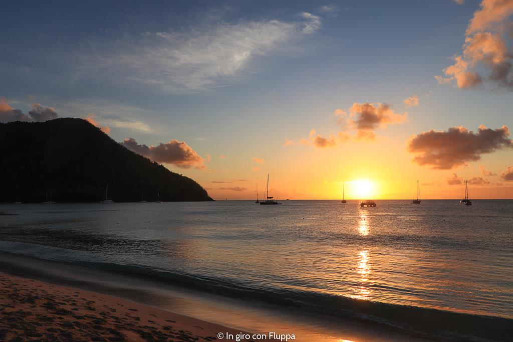 Cosa fare a Santa Lucia, Caraibi: tramonto a Reduit Beach