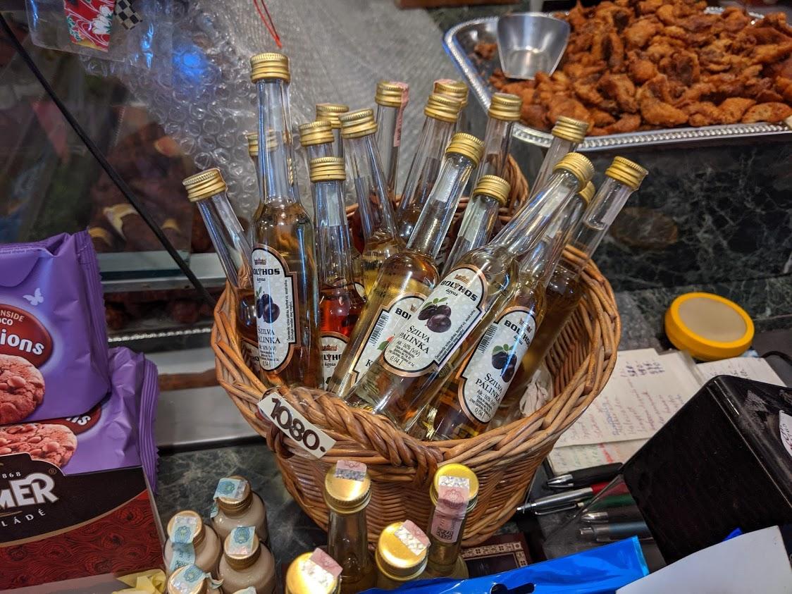 Cosa mangiare a Budapest: palinka