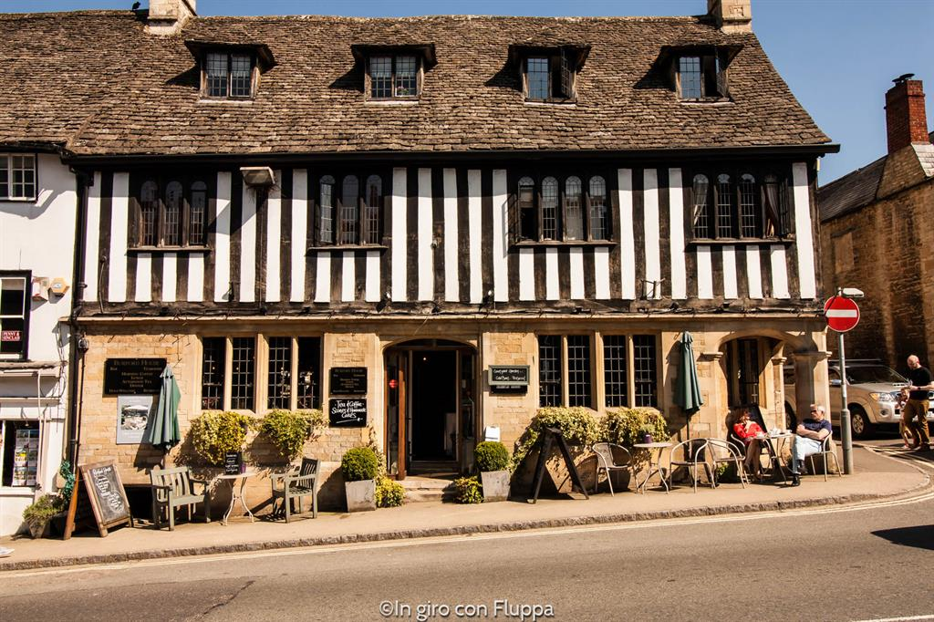 Cotswolds - pub a Burford