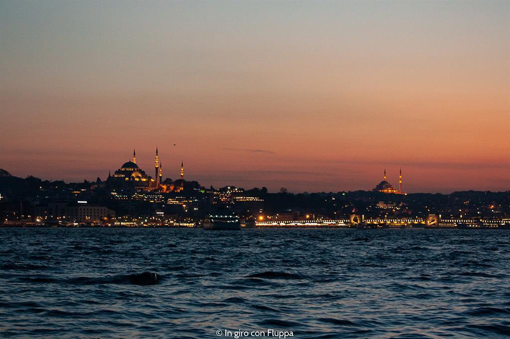 Istanbul, Crociera sul Bosforo al tramonto