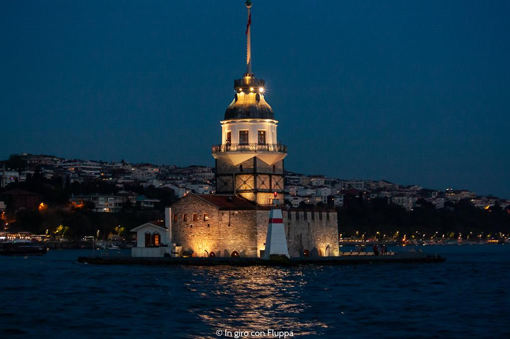 Istanbul, Crociera sul Bosforo di sera - Maiden's Tower (Kiz Kulesi)