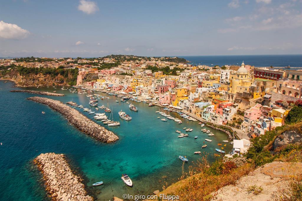 Gite di un giorno da Napoli: Procida, Corricella