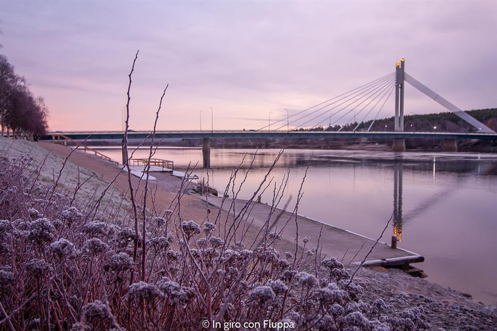 Cosa vedere a Rovaniemi e dintorni: Lumberjack's candle bridge