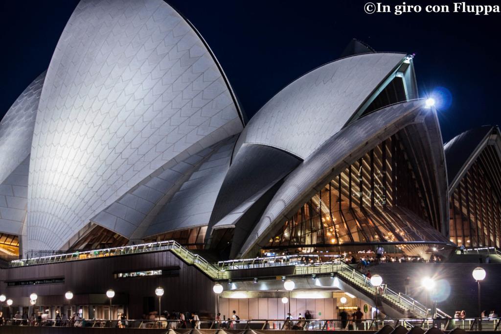 Sydney Opera House di sera