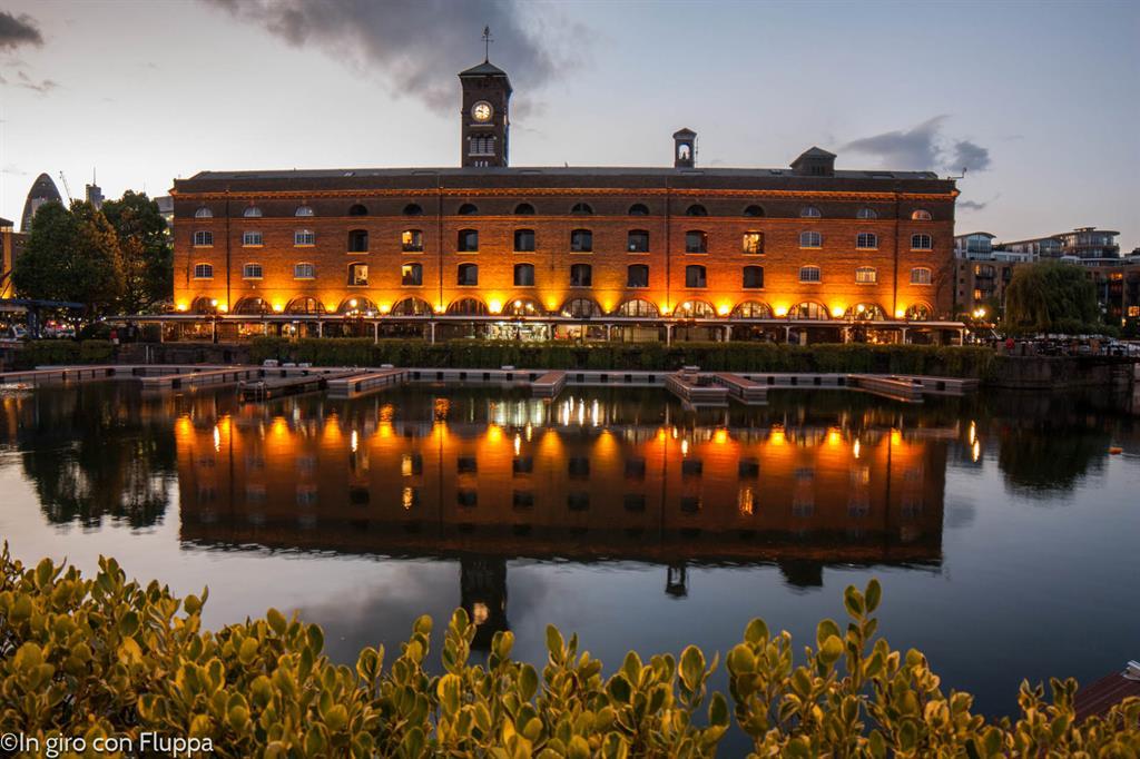 Angolini nascosti di Londra: St.Katharine Docks, Dickens Inn