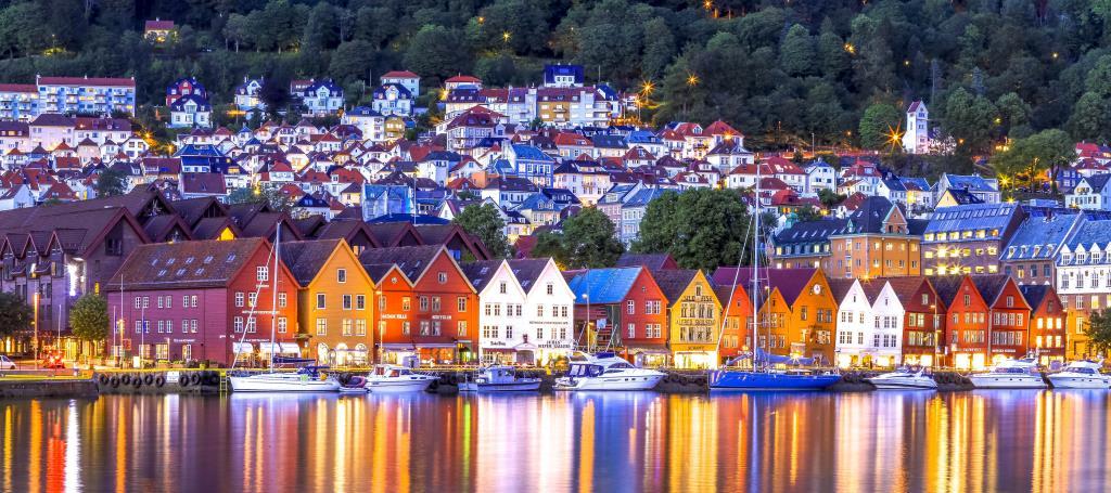 Bergen. Credits: fjordtours.com