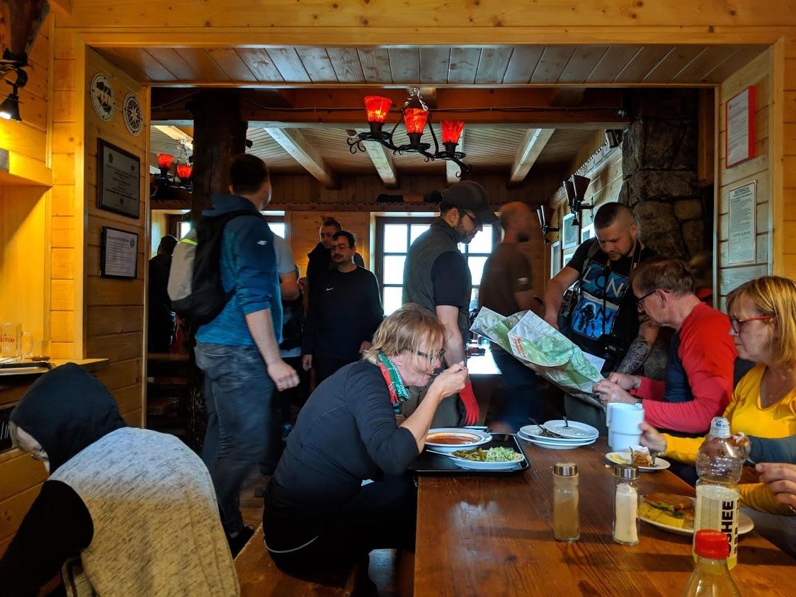 Trekking in Polonia, escursione sui Monti Tatra: ostello a Dolina Pieciu Stawów