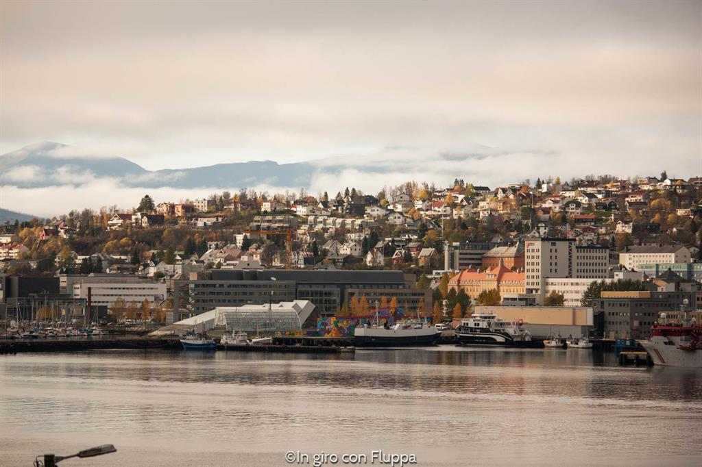 Vista di Tromsø dal ponte