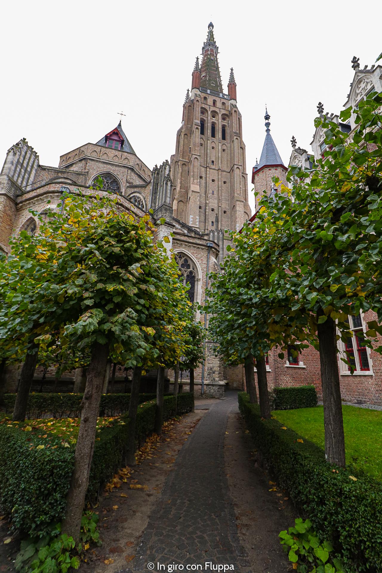 Cosa vedere a Bruges in un giorno: Chiesa di nostra Signora