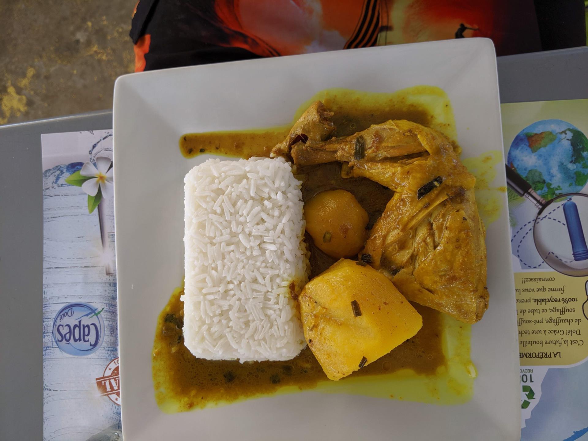 Cosa mangiare a Guadalupa: colombo de poulet