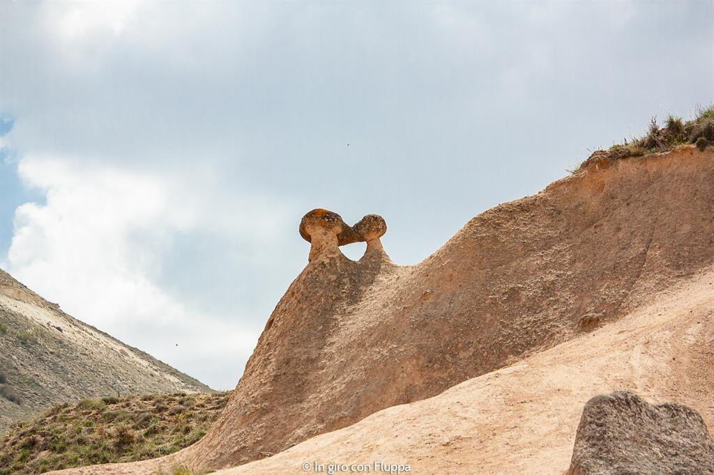 Viaggio in Cappadocia: il tour rosso. Imagination Valley, scimmiette che si baciano.