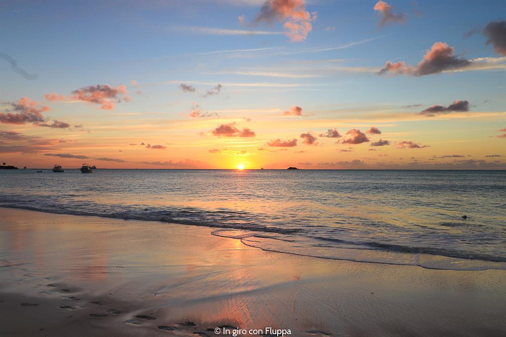 Cosa fare ad Antigua: tramonto a Dickenson bay