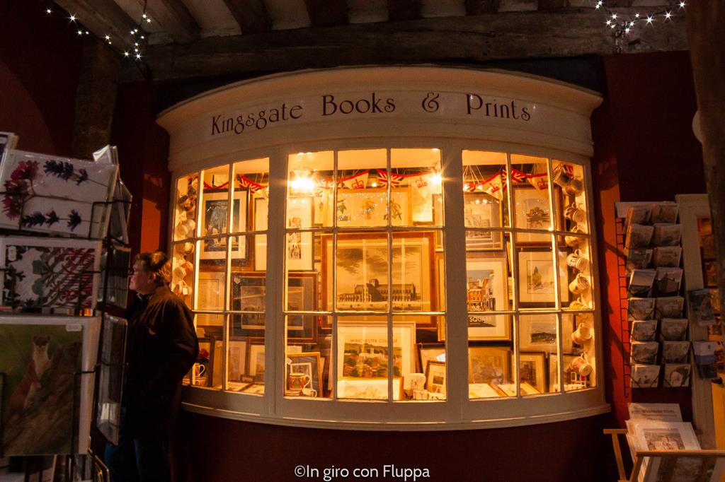 Winchester, vetrina di una libreria