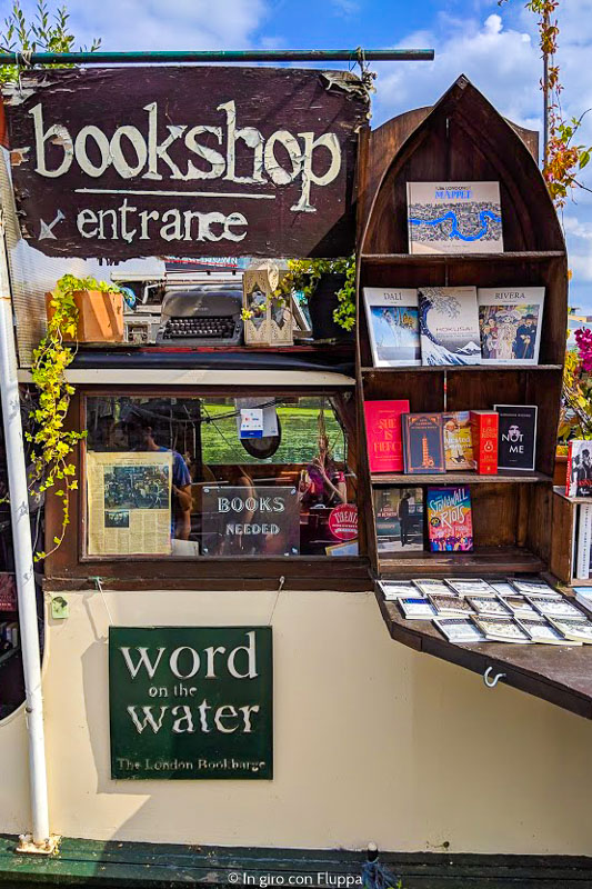 Words on the Water, un negozio di libri sull'acqua a Londra