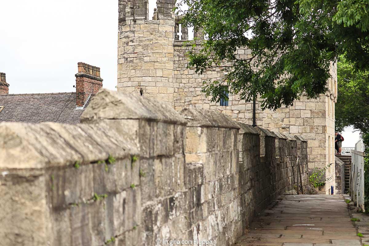 Camminare sulle mura di York