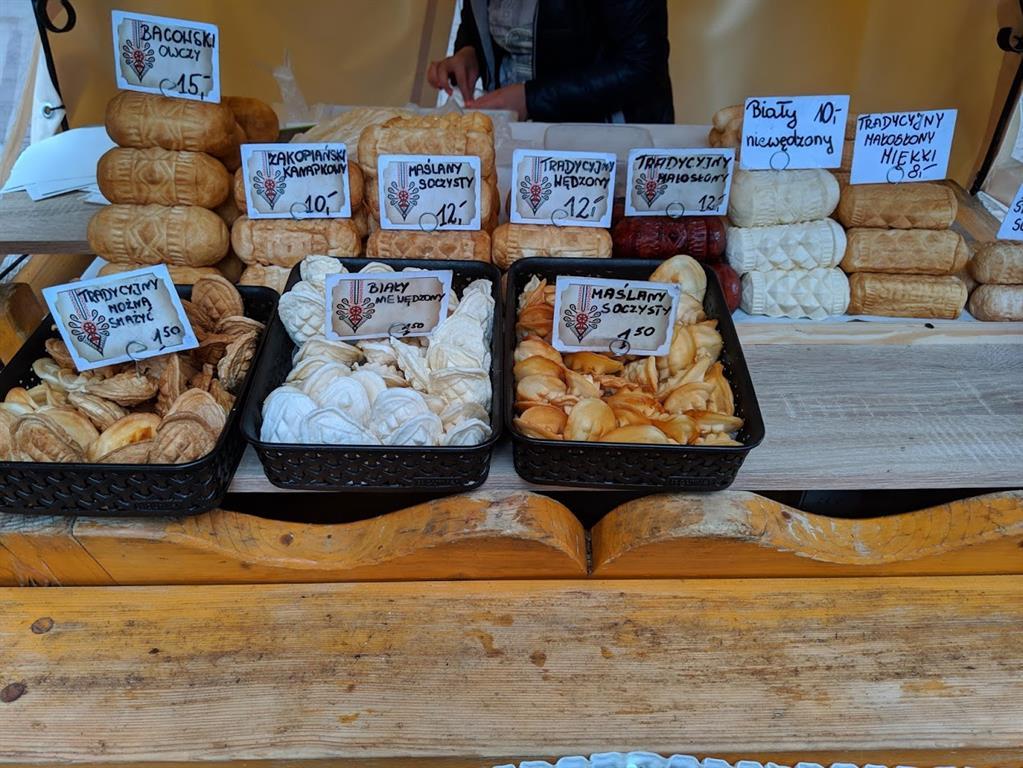 Cosa mangiare a Zakopane: formaggio di pecora affumicato