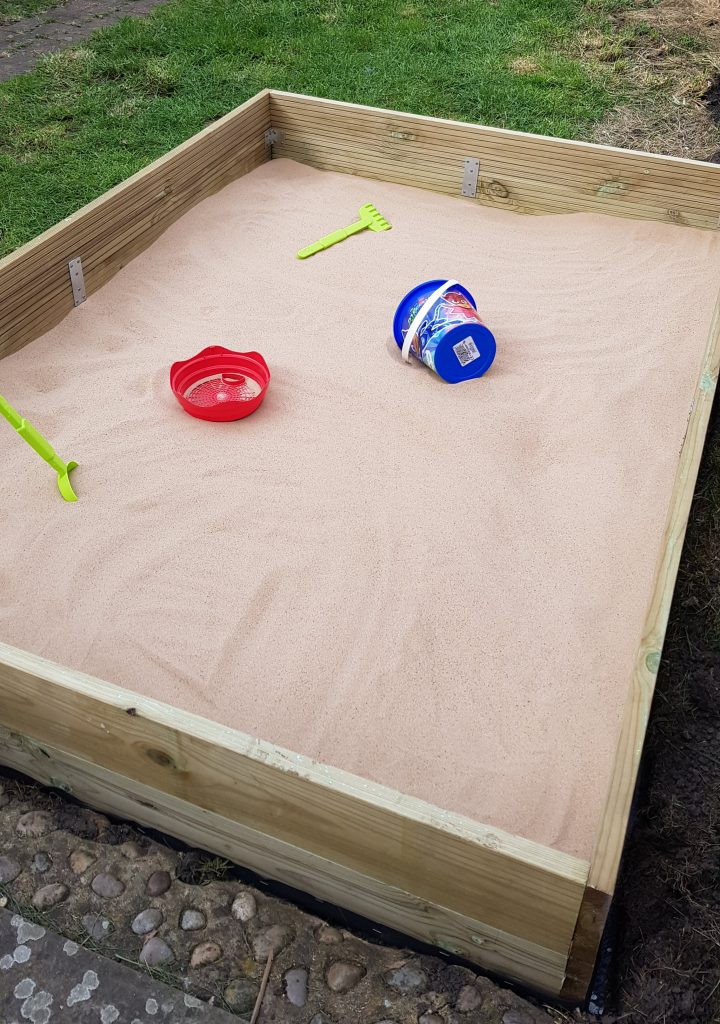 DIY Garden Sandpit.